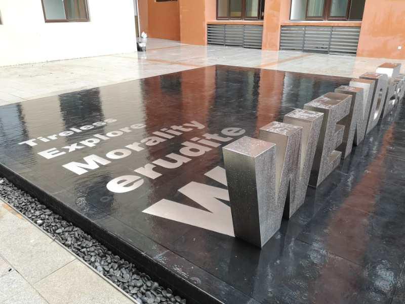 黑钛不锈钢立体字